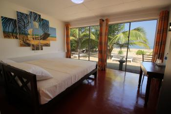 Lankahuts Beach Bungalows